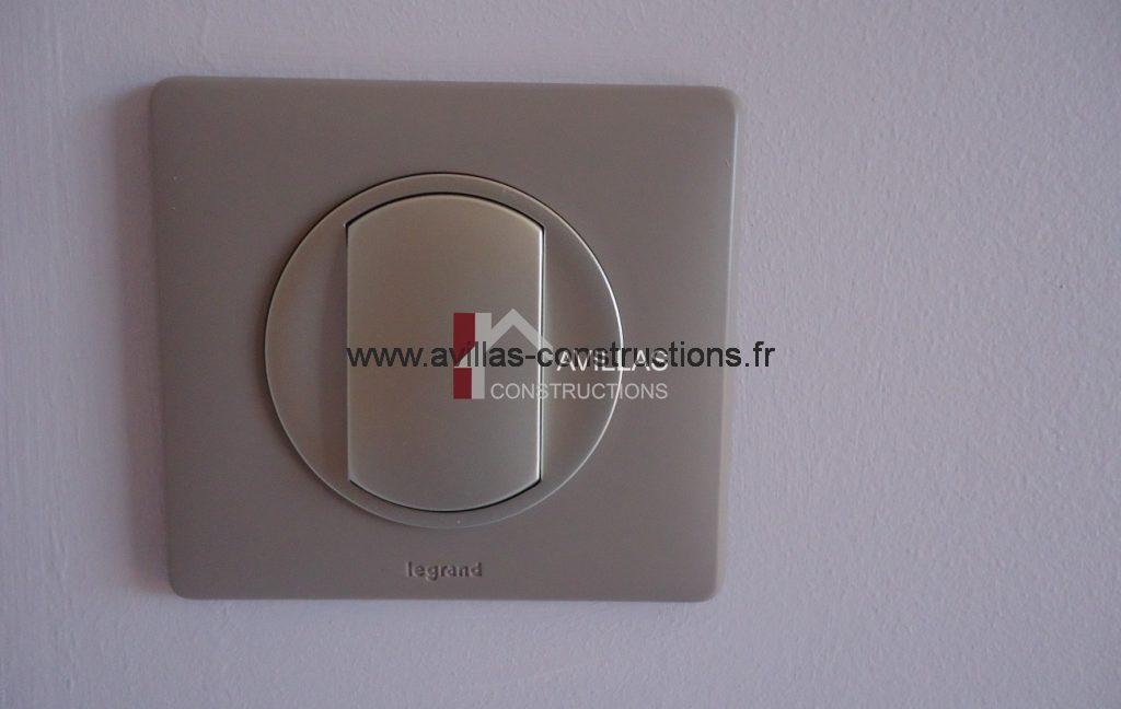 interrupteur electrique legrand-avillas constructions