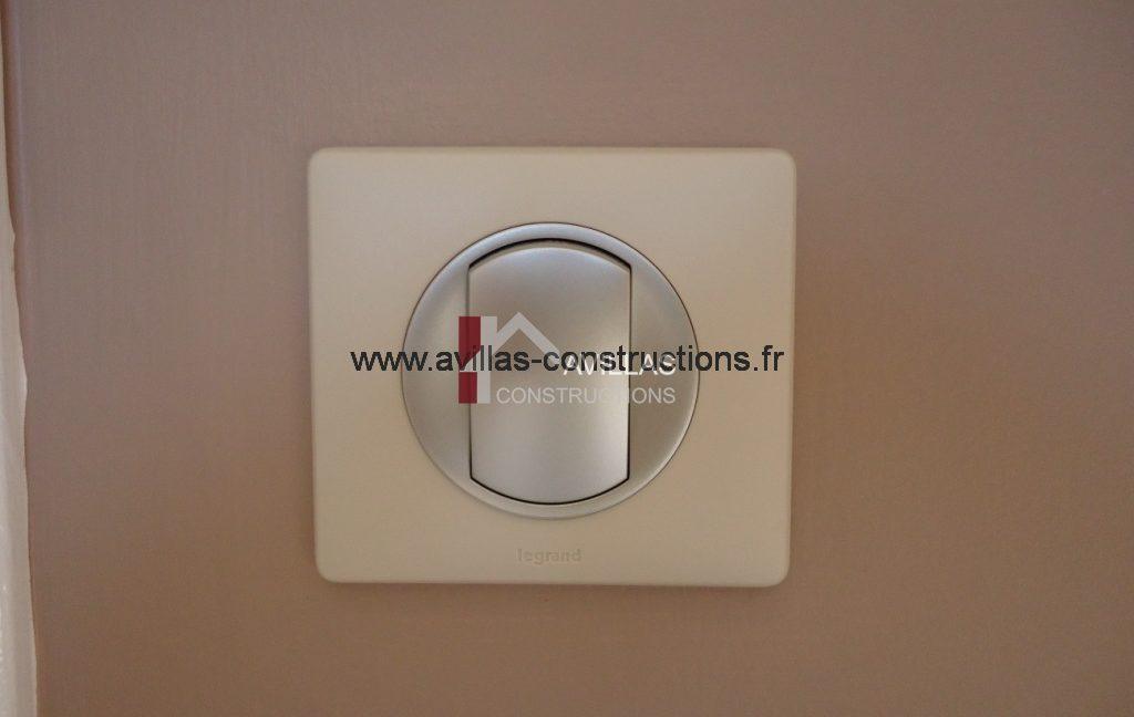 interrupteur legrand-maisons avillas constructions-électricité